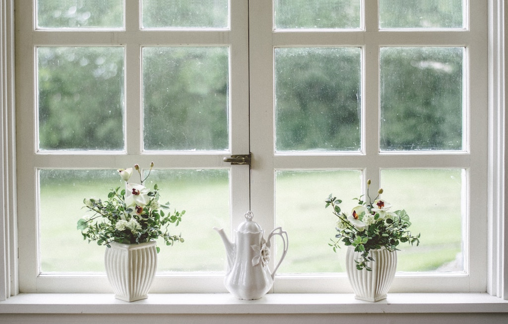 Why You Should Replace the Windows of Your Home With Vinyl Windows